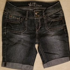 Juniors Wildflower denim shorts